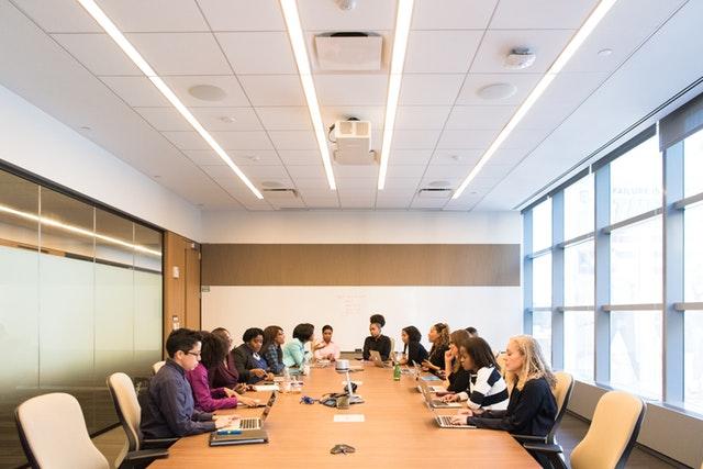 Túl rövid az élet az unalmas irodai megbeszélésekhez!